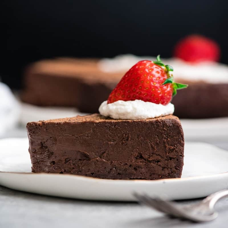 Best Flourless Chocolate Cake Recipe (Gluten-Free