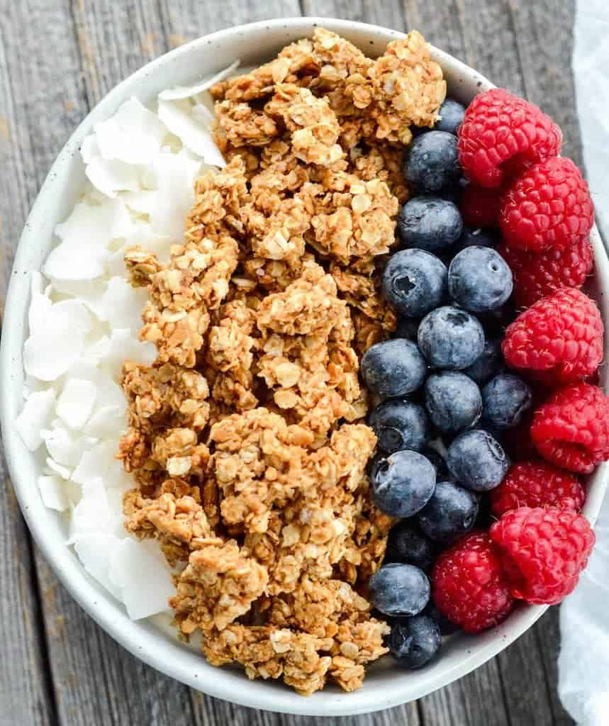 Healthy peanut butter granola joyfoodsunshine this healthy peanut butter granola is the perfect make ahead breakfast recipe with only ccuart Choice Image