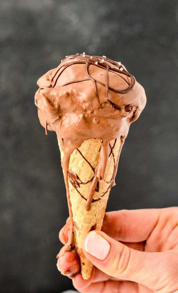 This Paleo Sea Salt Chocolate Ice Cream recipe has only 7 ingredients and is SO easy to make! It's a perfect healthy summer dessert! Paleo, gluten-free, dairy-free, refined sugar free and vegan!