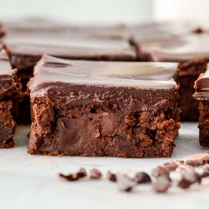 up close front view of one healthy brownie