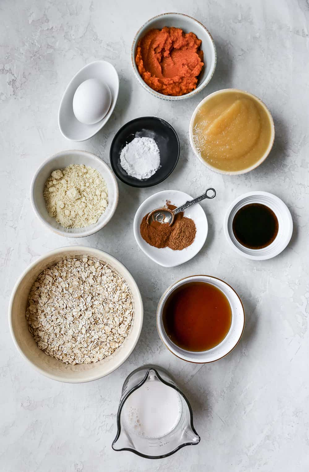 overhead photo of the ingredients in this pumpkin baked oatmeal recipe