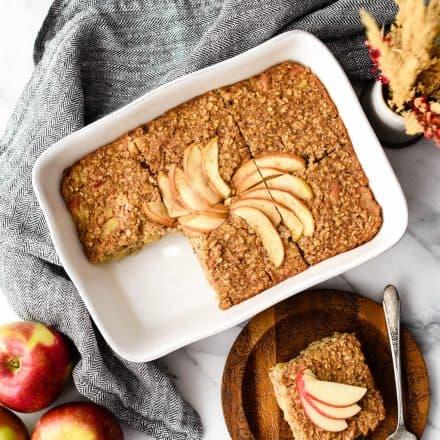 Healthy Apple Cinnamon Baked Oatmeal
