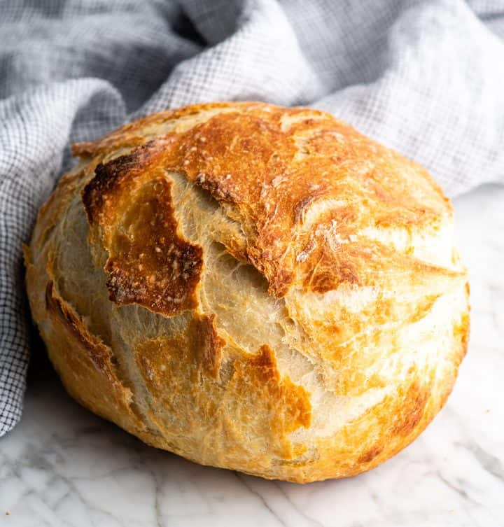 front view of a loaf of no knead bread