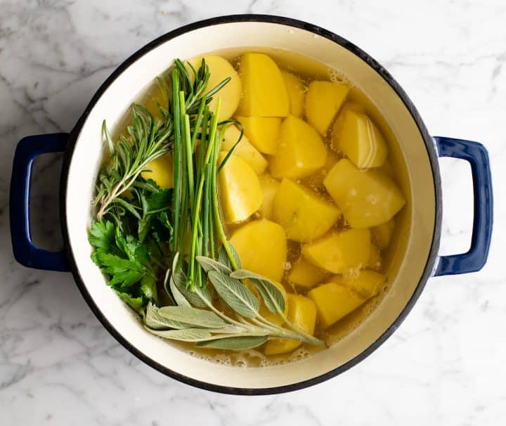 photo showing how to boil potatoes for mashed potatoes