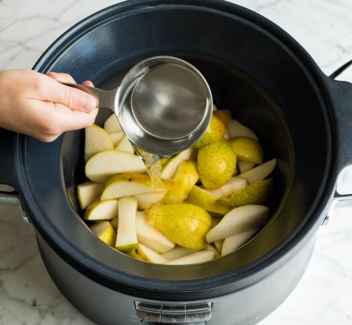 photo showing how to make pear puree for baby