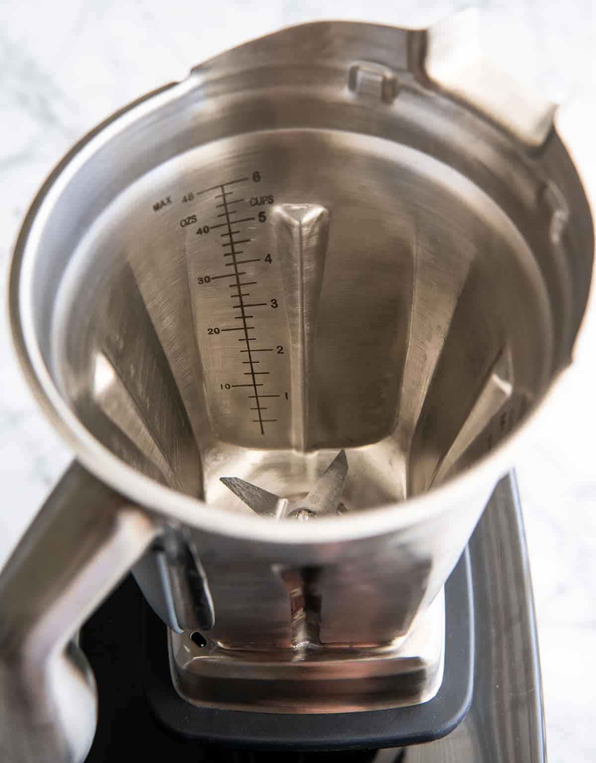 View of the inside of the Vitamix stainless steel blending container & measurement marks