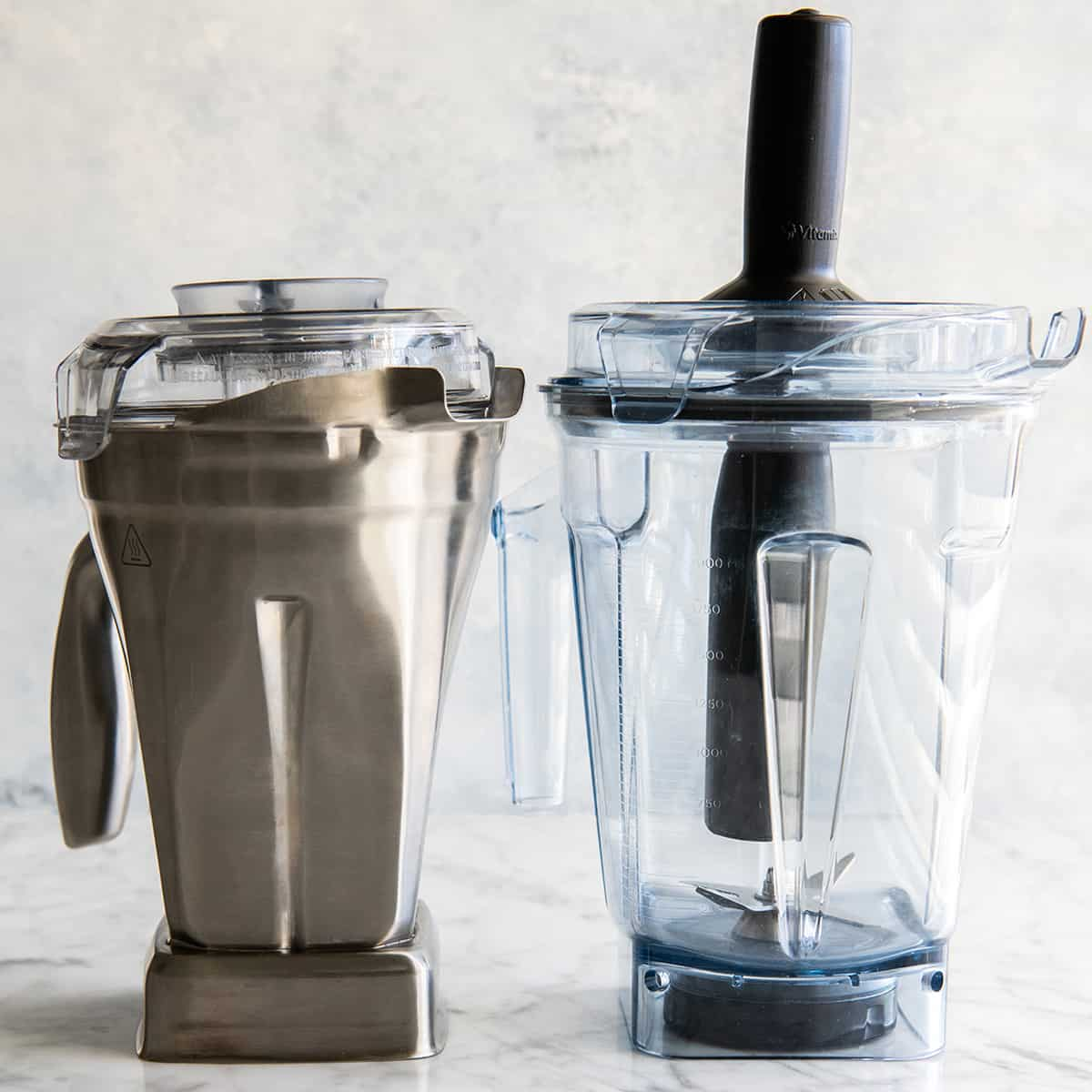 comparison of vitamix stainless steel blending container and low profile self-detect container