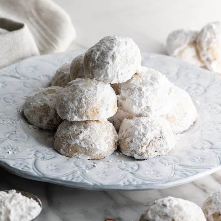 front view of a plate of Snowball Cookies