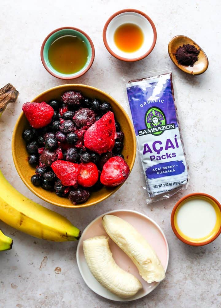 photo of the ingredients in this Homemade Acai Bowl Recipe