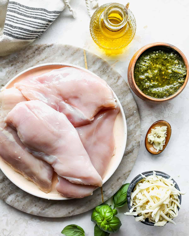 ingredients in this pesto chicken recipe.