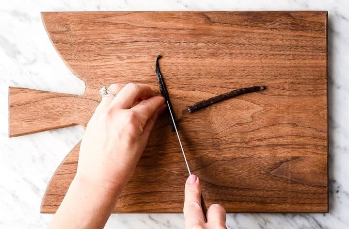 photo showing how to cut a vanilla bean