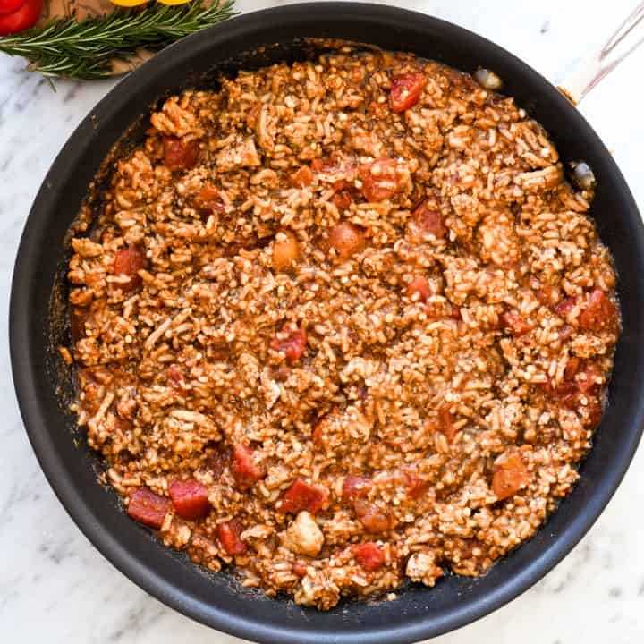 filling for Healthy Stuffed Peppers in a fry pan